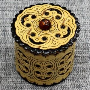 Шкатулка из бересты прор высокая с янтарем Артикул 20402-1  45x45