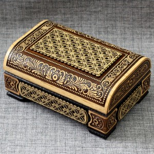 Шкатулка деревянная сундук прорезной Артикул 01606  120x80x40