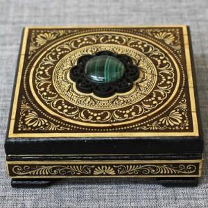 Шкатулка деревянная с малахитом Артикул 01417-2  100*100*40